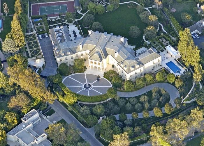 Aaron Spelling top 10 des maisons de stars les plus chers Krossin bijouterie pendentifs croix