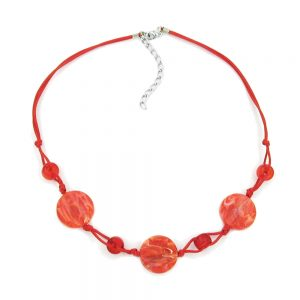 Collier disque en forme de perles marbrees rouges cordon rouge 00522xx