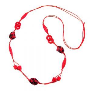 Collier rouge  perles noires sur cordon rouge 100cm 00619xx