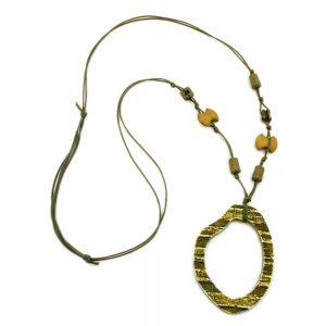 Collier vert fonce  olive grand anneau pendentif 00943xx