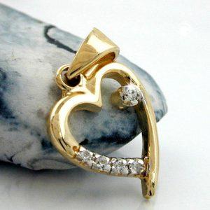 Pendentif coeur avec 5 cristaux de zircon cubique en or 9 carats Krossin bijoux or 431188x