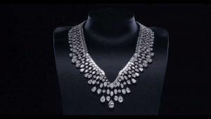 collier-mme-winston-krossin-bijouterie-colliers-les-plus-chers