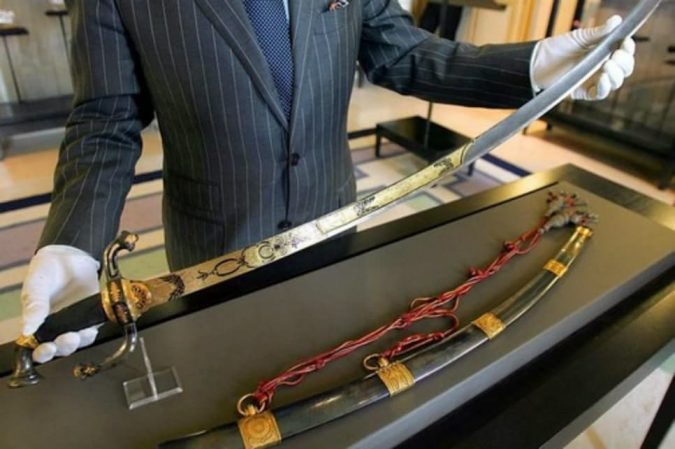 Epée-napoleon-bonaparte-krossin-bijouterie-top-10-des-antiquites-les-plus-chers