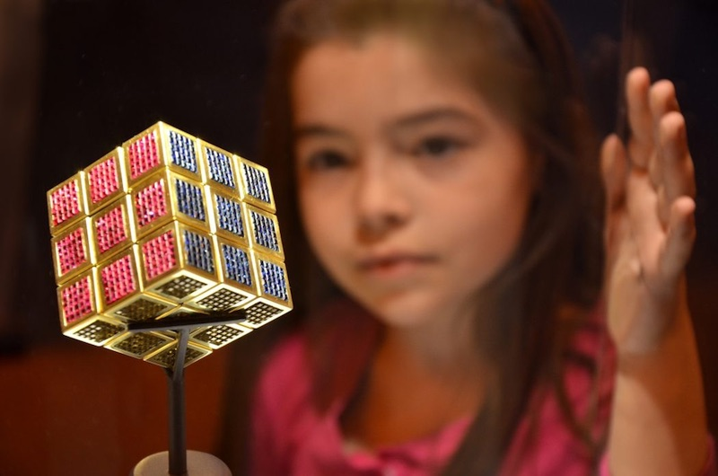 Rubix Cube Or - Jouets les plus chers du monde- Krossin Bijoux pour enfants
